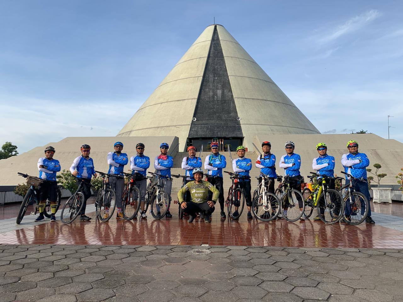 Gowes Wisata Jakarta Jogyakarta 3 Hari Bersepeda