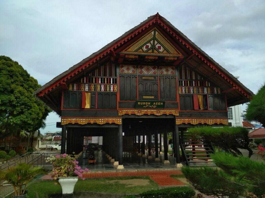 Rumah Adat Sumatra Sarat Makna