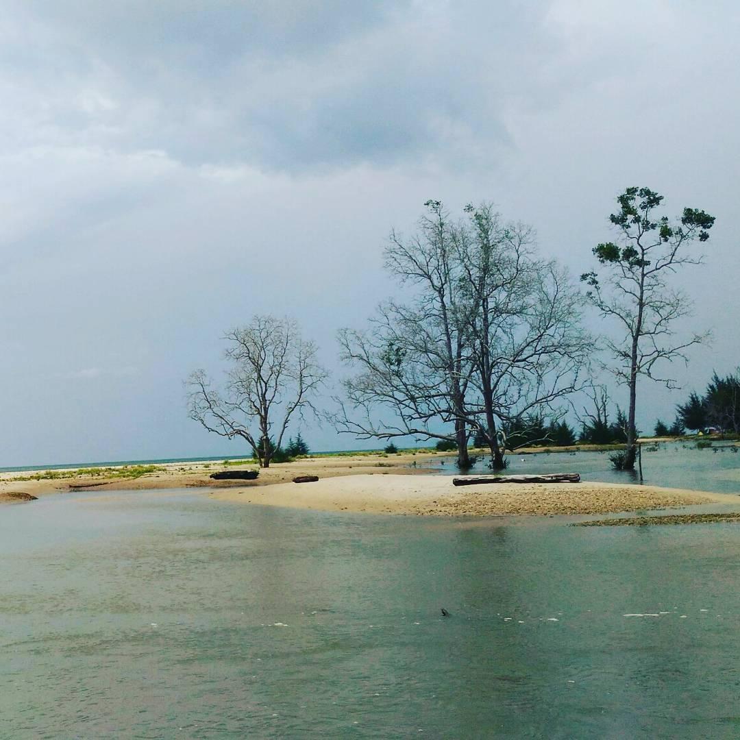 Asyiknya Berlibur Ke Pantai Tanah Merah Tanjung Harapan Samboja Indonesia Traveler