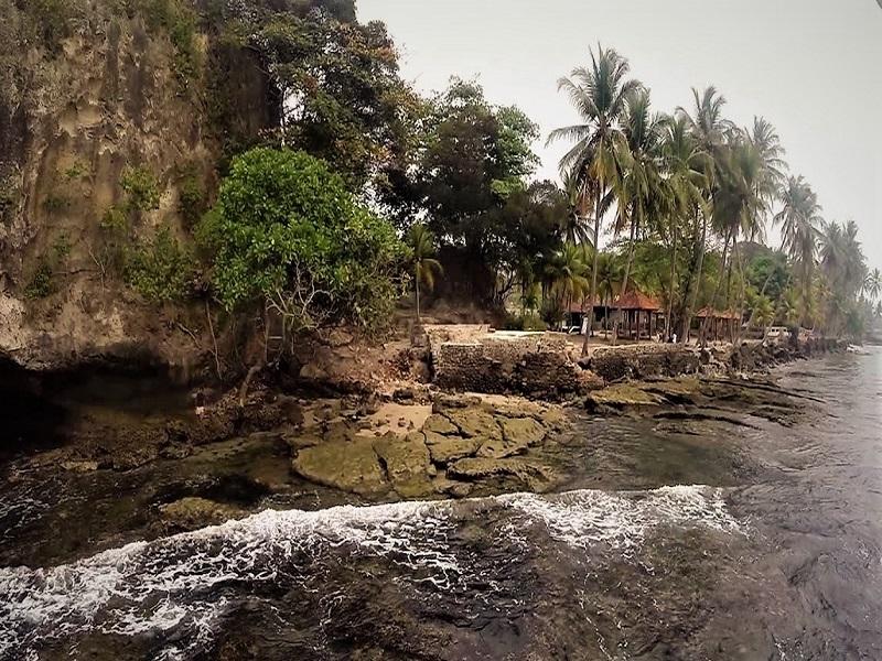 Banten, Pantai Karang Bolong