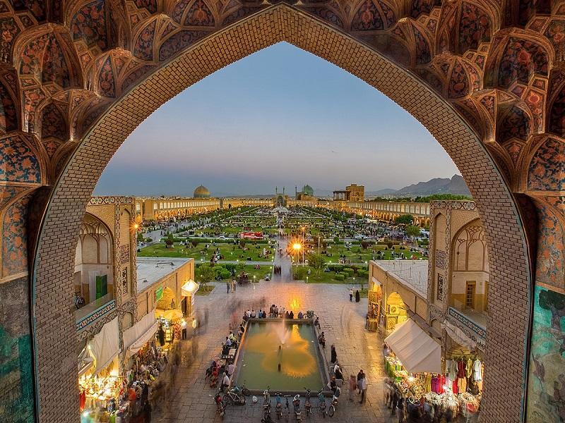 Iran, Isfahan photo by Wikipedia