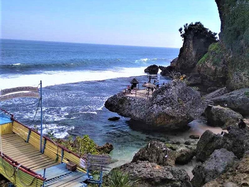 Jogyakarta, Pantai Ngobaran