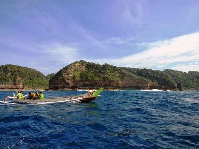 Pulau Nusa Barong