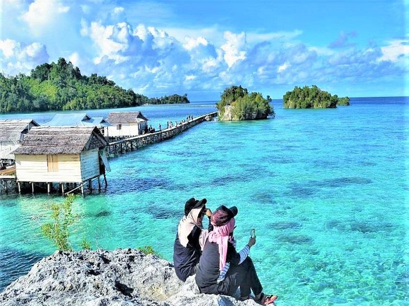 Suku Bajo di Pulau Papan