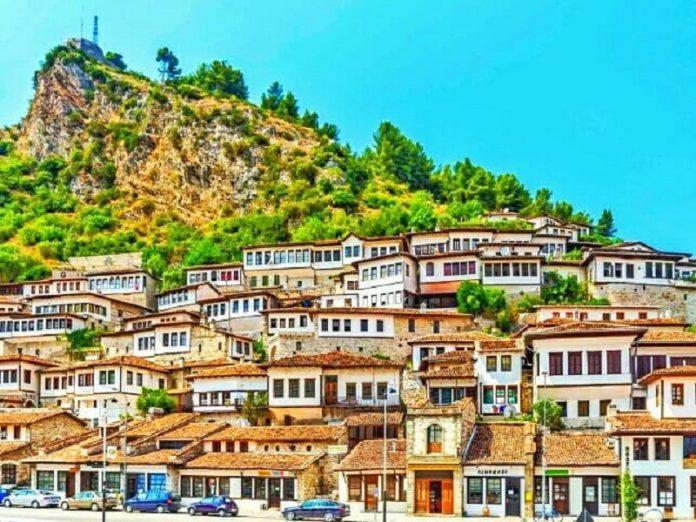 Wisata Albania