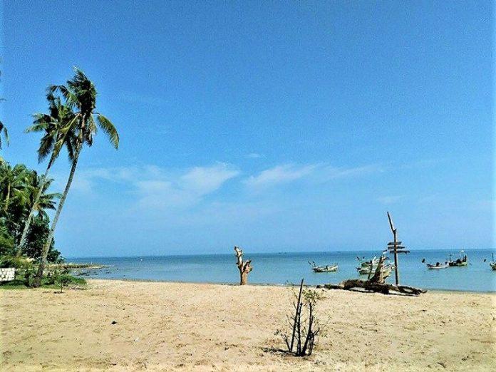 Tuban, Pantai Kelapa-Pantai Panyuran
