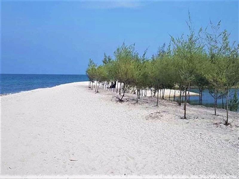 Tuban, Pantai Remen