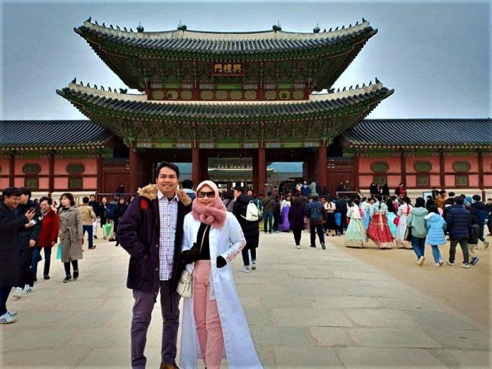 Nining bersama suami
