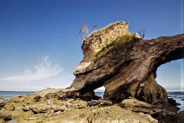 Pantai Watu Parunu,Sumba