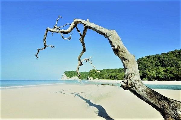 Sumba, Pantai Tarimbang