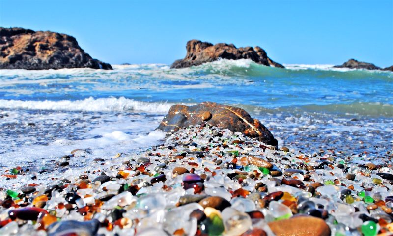 Pasir Glass Beach