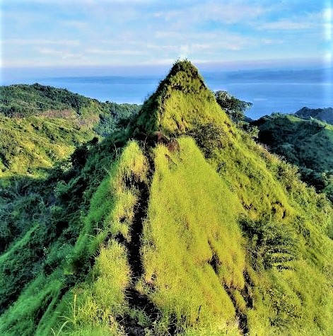Gunung Tumpeng