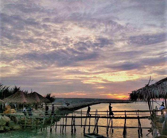 Pantai Maldives Kemantren