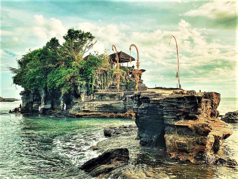 Wisata Pura di Bali