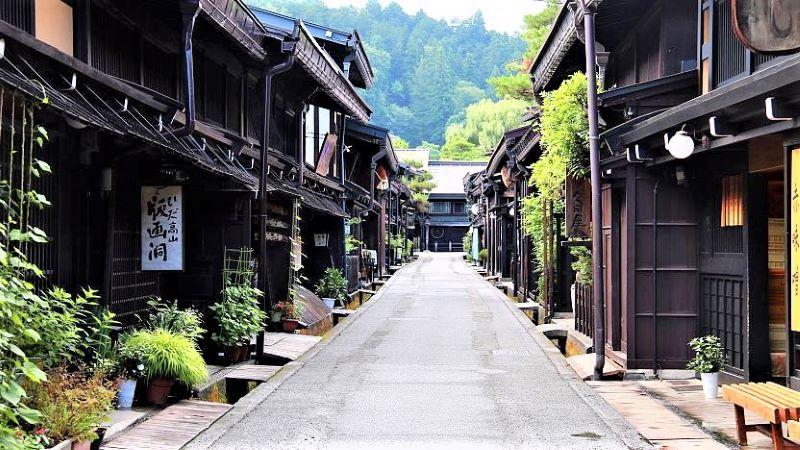 Wisata Distrik Sanmachi-Suji