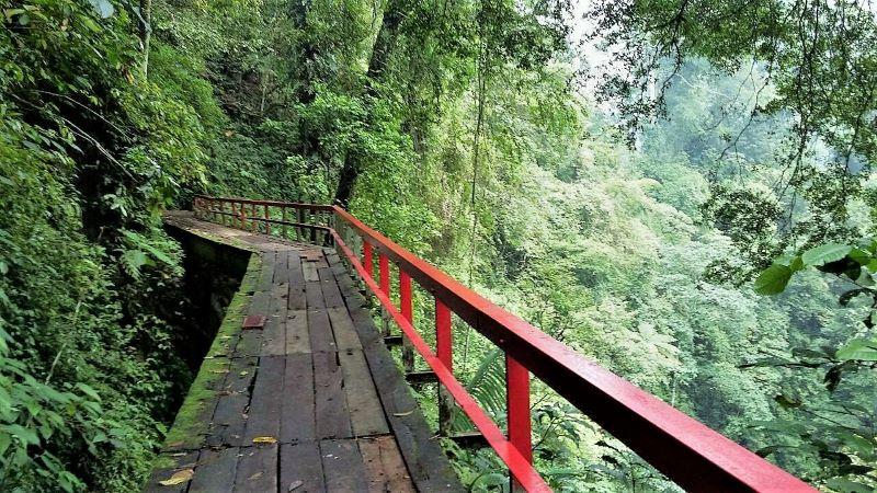 Jembatan romantis
