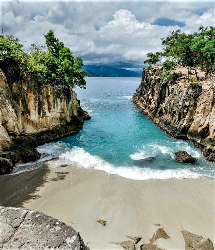$ Destinasi Wisata di Manado