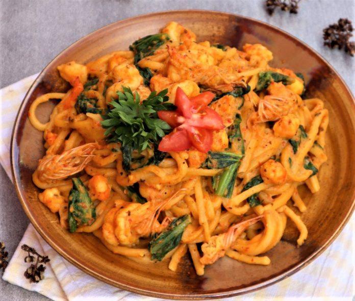 Menikmati Spaghety dari Tanah Batak, Mie Gomak!