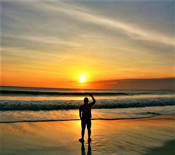 Pantai Santolo, Surga Tersembunyi di Selatan Garut