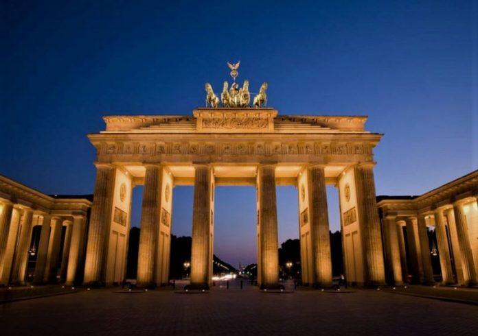 Brandenburg Gate dan Sejarah yang Mengelilinginya