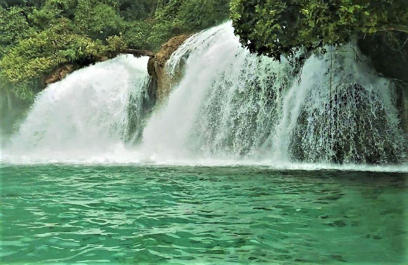 Air Terjun Kiti-Kiti, Surga Tersembunyi di Papua Barat