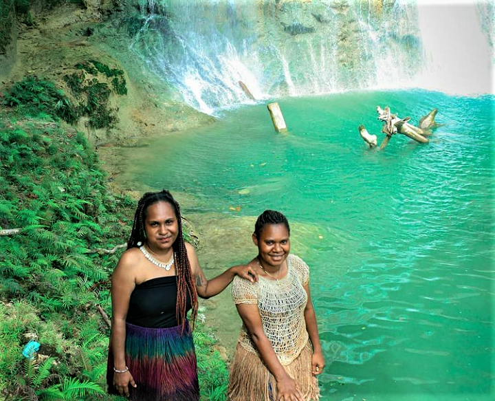 Menikmati Keseruan di Air Terjun Bihewa, Nabire - Papua