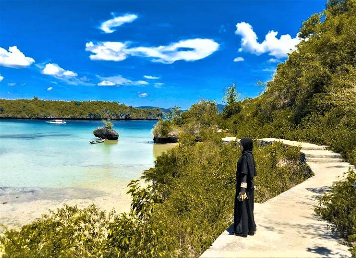 Pantai Meleura nan Eksotis dan Menakjubkan