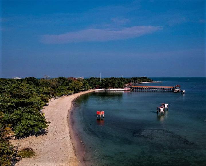 Pesona dan Keseruan di Pantai Bandengan Jepara