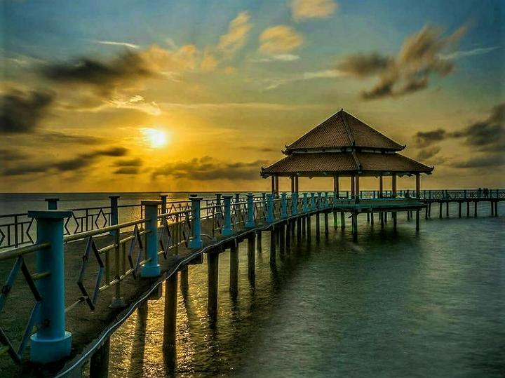 Terpikat di Pantai Kartini Jepara