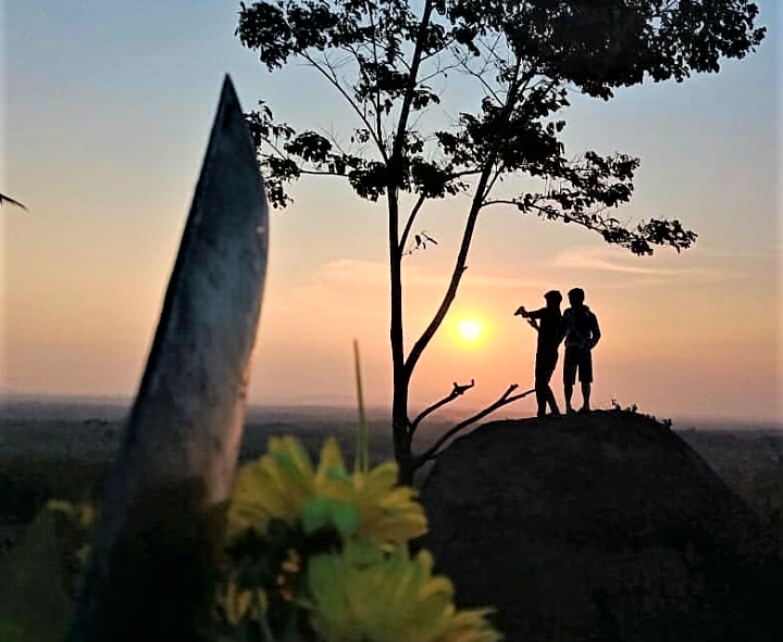 Terpikat pada Panorama Taman Batu Granit Tanjung Bintang Lampung
