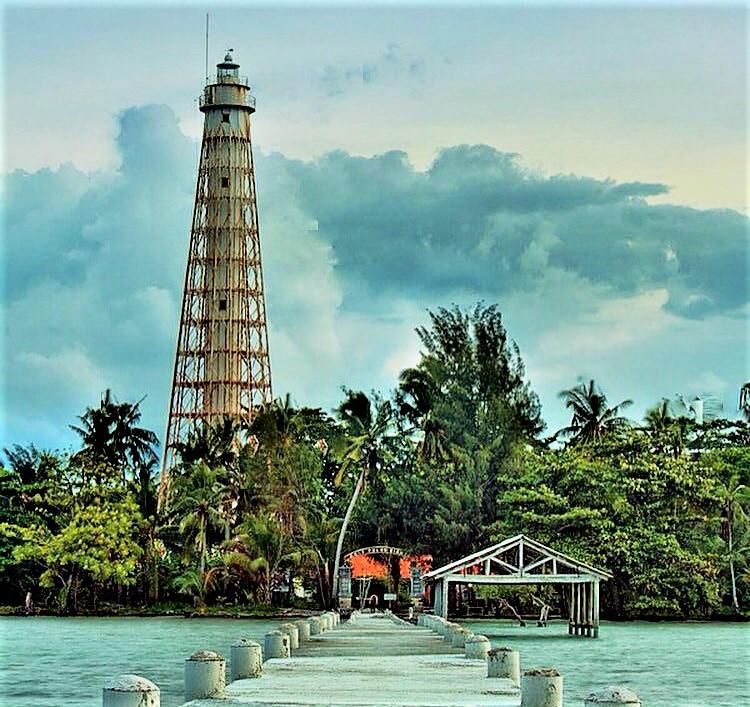 Pulau Biawak Indramayu, Liburan Seru yang Memicu Adrenalin