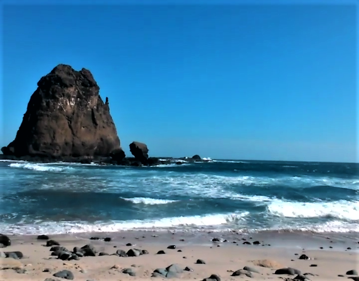 Pantai Tanjung Papuma, Eksotismenya Begitu Dalam