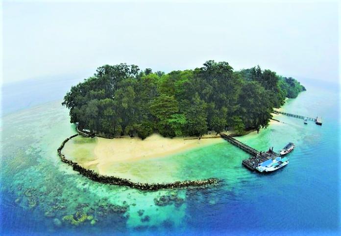 Liburan Asyik di Pulau Kelapa