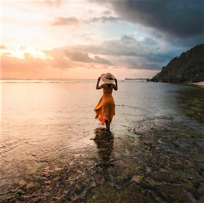 Pesona Pantai Pok Tunggal, Selalu Melekat di Hati