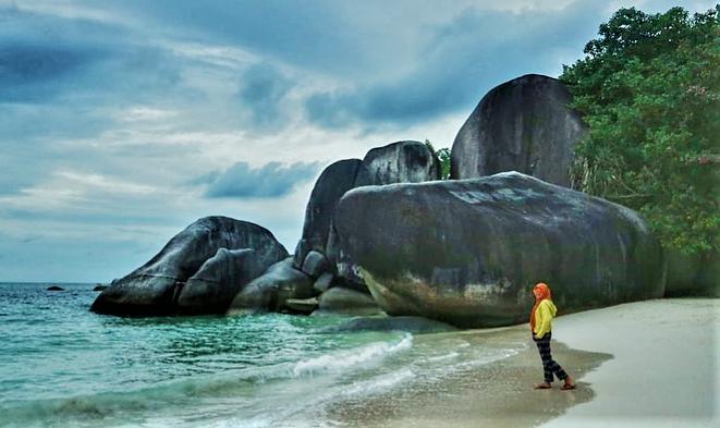 Pantai Tanjung Tinggi, Pesonanya Benar-Benar Memikat Hati