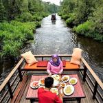 Kalimantan Tengah, Sungai Sekonyer, Photo by @indoflashlight