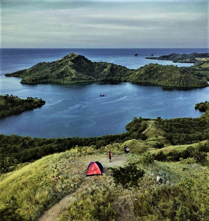 Dimanjakan dengan Keindahan Taman Laut 17 Pulau Riung