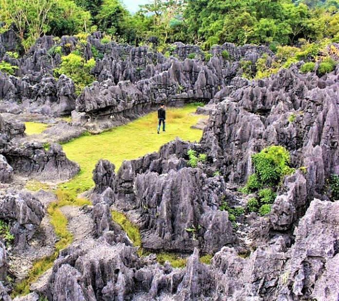 Taman Batu Karst Balloci, Mengintip Batu-Batu Purba