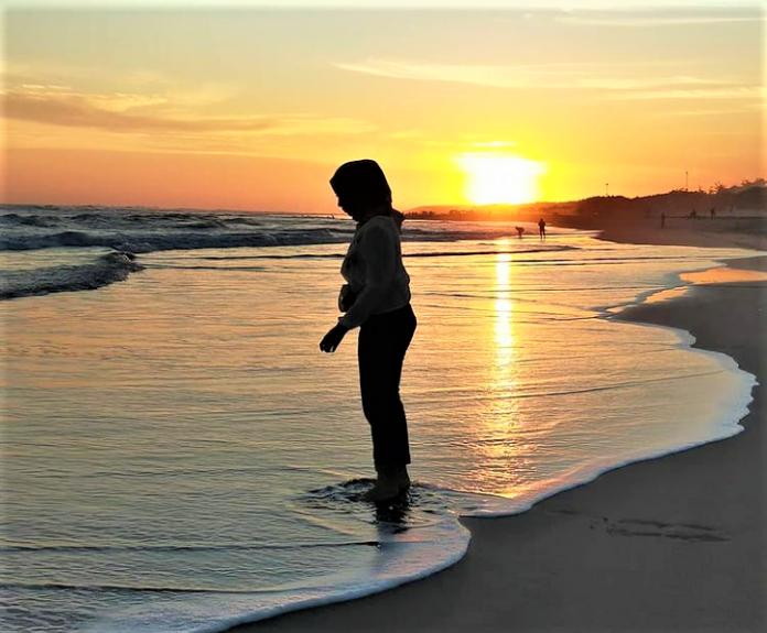 5 Pantai di Indonesia dengan Mitos-Mitosnya