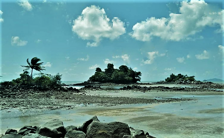 Pantai Pulau Tiga, Sensasi Keindahannya Tak Bisa Dilupakan