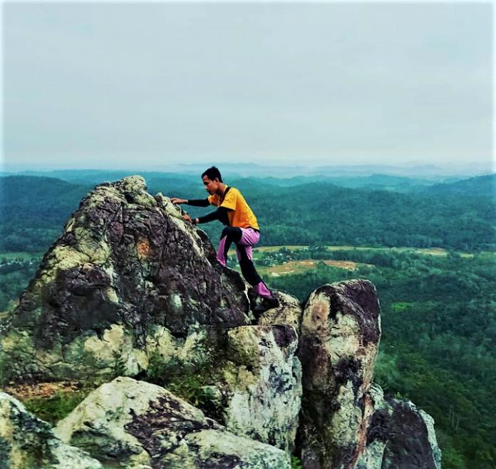 Menikmati Keindahan Kota Jambi dari atas Bukit Ngarau Merangin