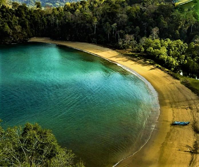 Memanjakan Diri dalam Keindahan Taman Nasional Meru Betiri