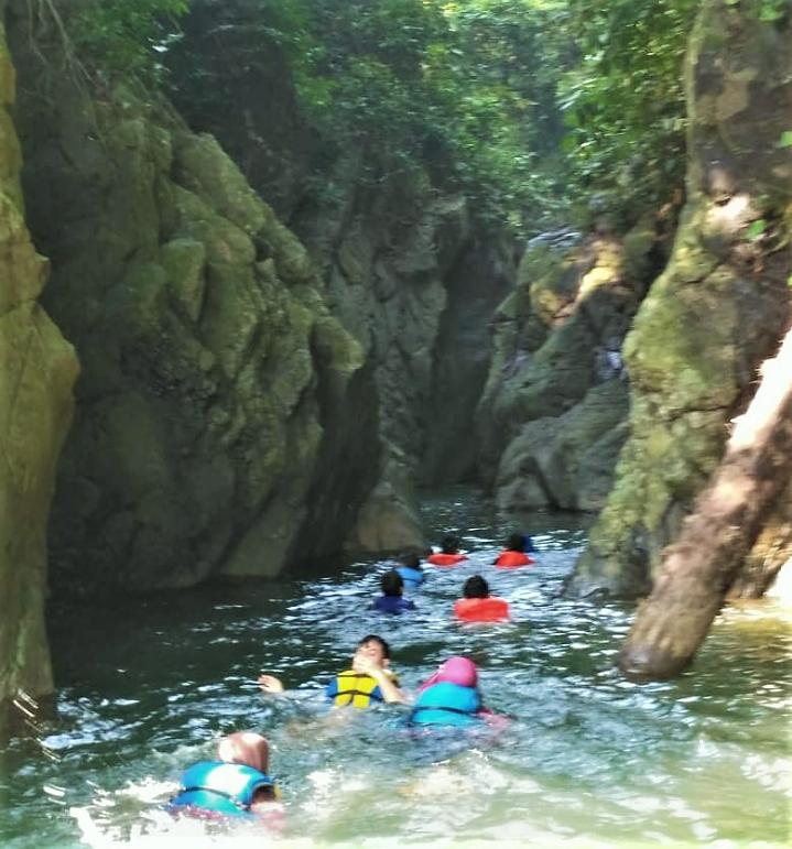 Green Canyon Karawang – Curug Ciomas, Susur Sungai Yang Menakjubkan!